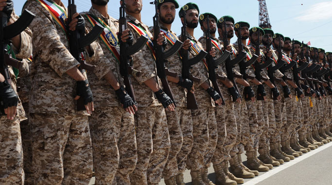ایجاد امنیت پایدار هدیه ارتش به كشور است